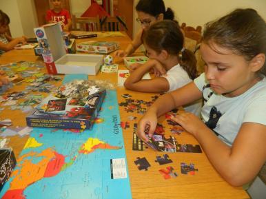"""Ziua Educaţiei la Biblioteca Judeţeană """"Alexandru Odobescu"""" Călăraşi – Activitatea Învaţă-mă prin joc"""